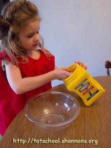 Dish Soap + Corn Starch = Super Fun Bubble Dough