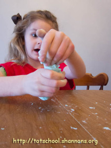 Dish Soap + Corn Starch = Super Fun Bubble Dough